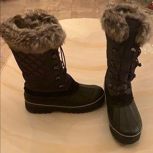 WORN ONCE! MAKE AN OFFER-Lands' End Snow Boots